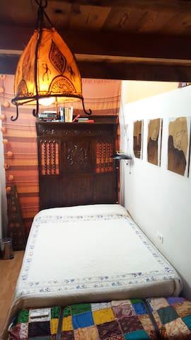 Habitación de 14 m² para 2 personas con calefacción. Cama 135x200.