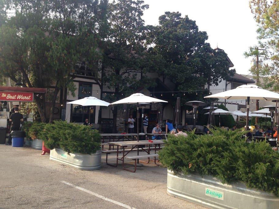 Neighborhood brew pub with rotating food trucks