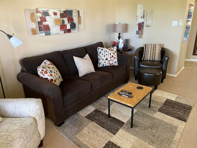 Spectacular Condo Near Old Town Scottsdale!