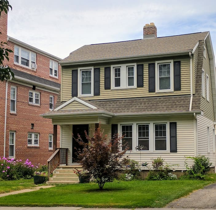 Prime Location Spare Lower Level Bedroom Houses For Rent In Madison Wisconsin United States