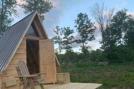 Rocky Boulder View Tiny House - OPEN!