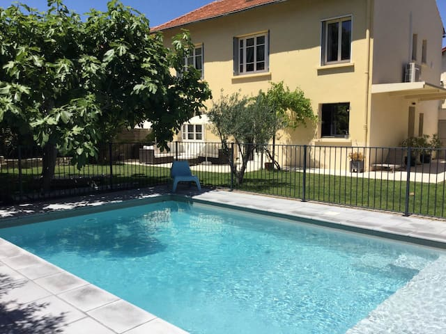 Beautiful vacation rental with private pool in the heart of the city of Avignon, sleeps 8.