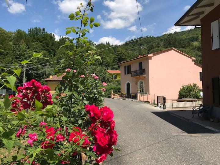 Stort flott hus tre mil fra La Spezia til leie