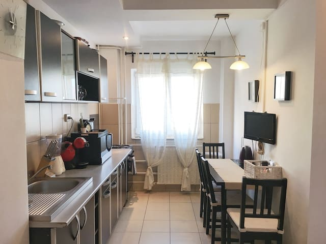Cozy, spacious, clean, no extra fees apartment