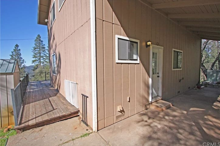 Lake Oroville Retreat - Above the Dam! - Oroville - Huis