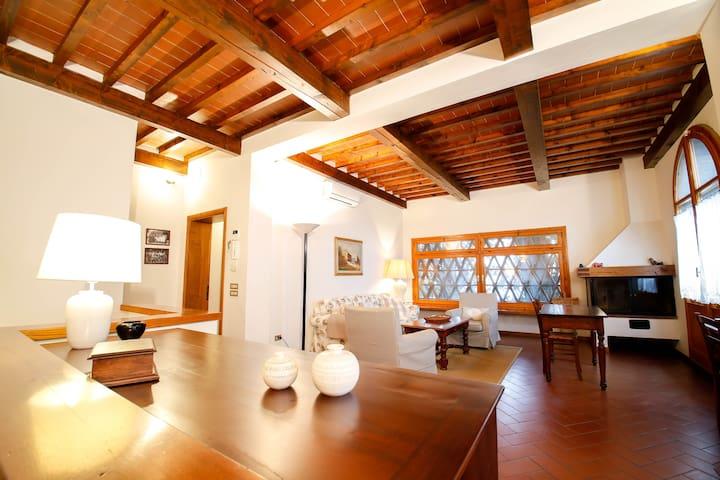 Villa nelle colline toscane - Montelupo Fiorentino - Huis