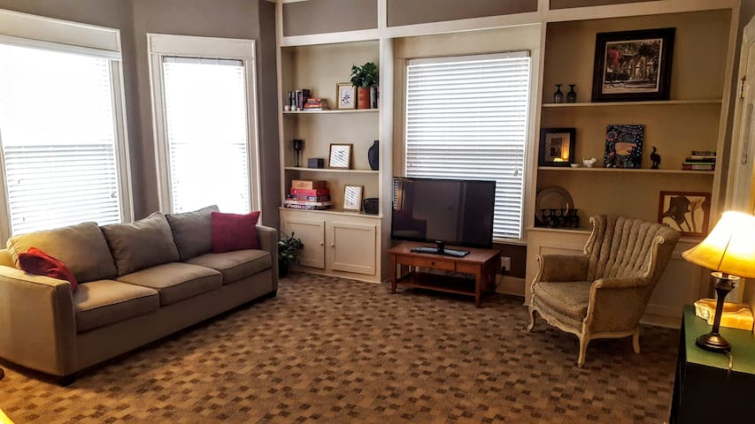 Centrally-located Cedar Rapids Apartment - Unit 1