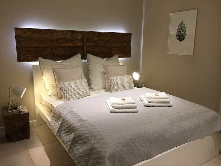 Charming Ambience * Room II *