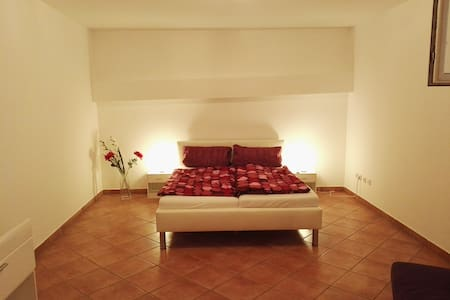 Private 50sqm Apartment with Sauna in Souterrain - Apartamento