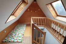 Spielecke im Spitzboden