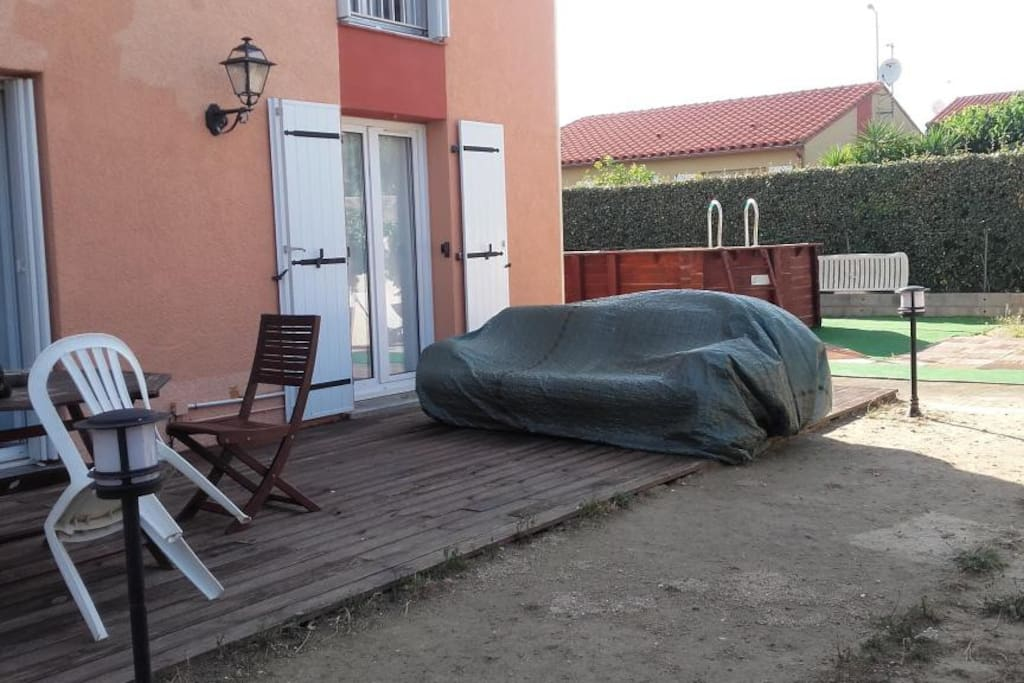 Chambre d 39 hote lilas houses for rent in saleilles for Chambre a part couple