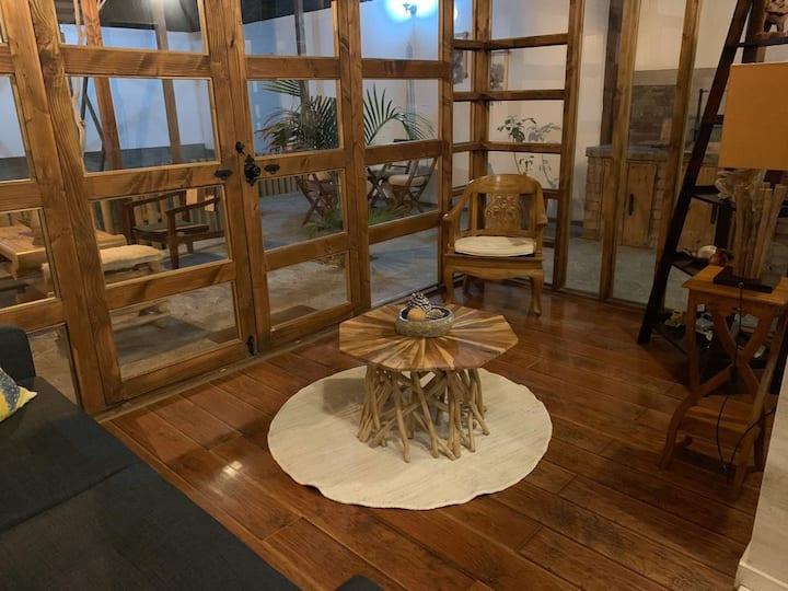 3: Alwa Apartments - Departamento Jardín.