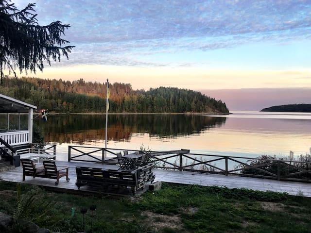 Timmerstuga mitt i Nordingr, Hga Kusten - Cabins - Airbnb