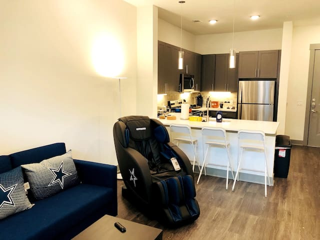 ✨ Frisco Star Luxury Suite with Massage Chair ✨