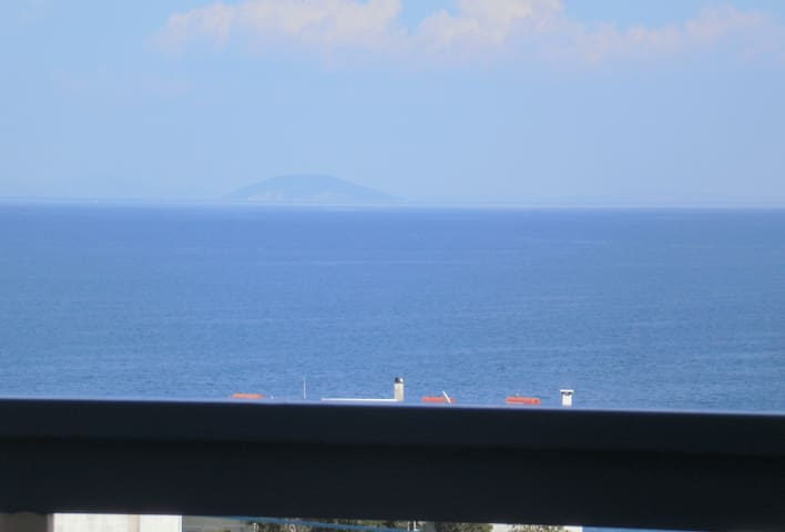 Seaview - selfcatering apartment - Helen  No 2