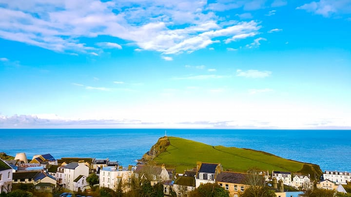 Clarian Apartment, Ilfracombe Coastal Retreat