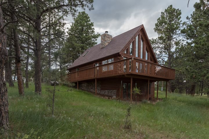 Pine Forest Lodge | Centrally Located in the Southern Black Hills!