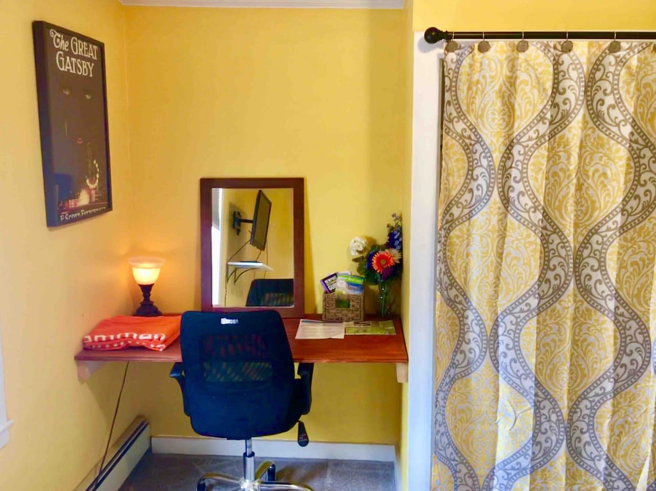 Bright & Cheery room with a great built in desk! Makes a great work place and/or vanity for getting ready to hit the town!!!
