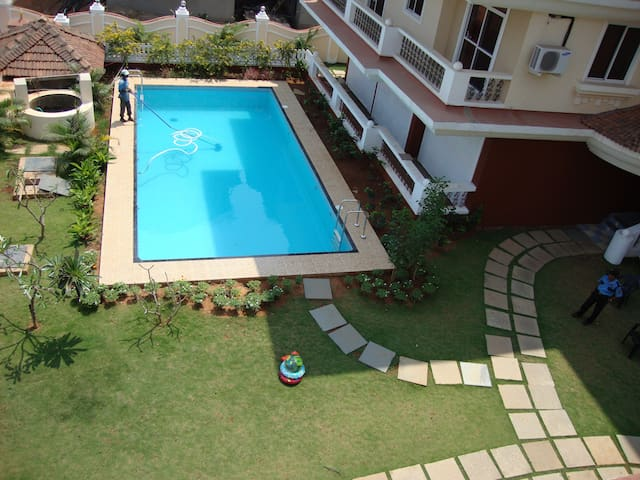 RIVER VIEW 2 BEDROOM APARTMENT - 10 MIN FROM BEACH