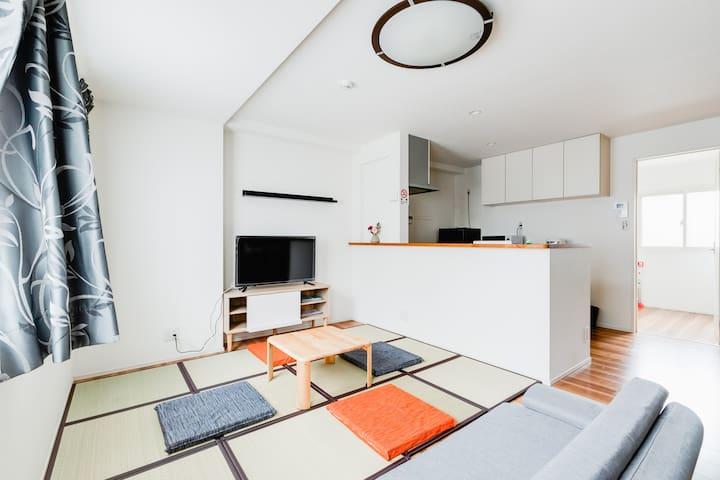 桃谷Cozy entire house with garage, 5mins walk JRLoop