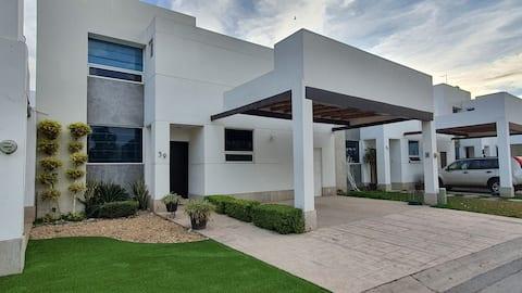 Casa Brendas 59, 3Rec/3.5baños, 6 pers, NO FIESTAS