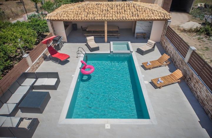 M&S Villa