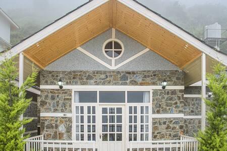 Cottage | Hill top | Fresh Air | Serene
