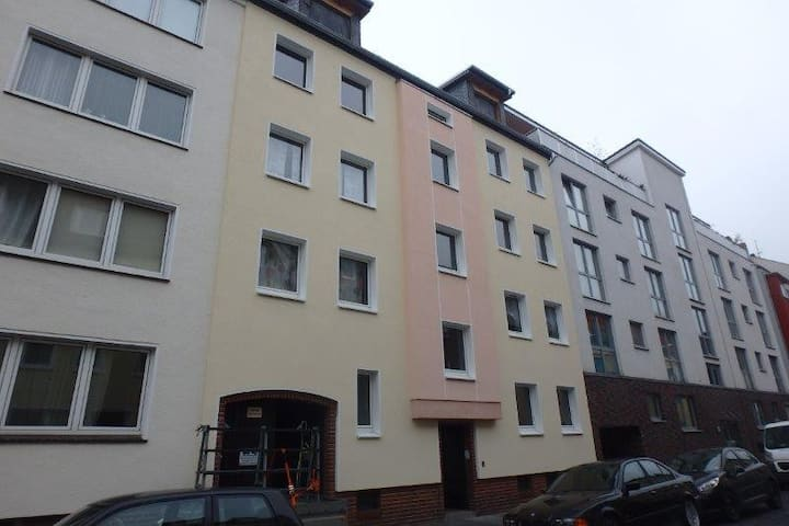 City-Wohnung mit Loggia (rechts)