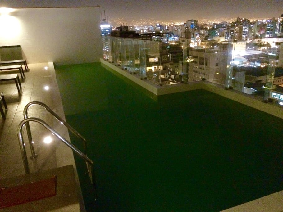 Swimming pool in the 24th floor with a great view of Miraflores.