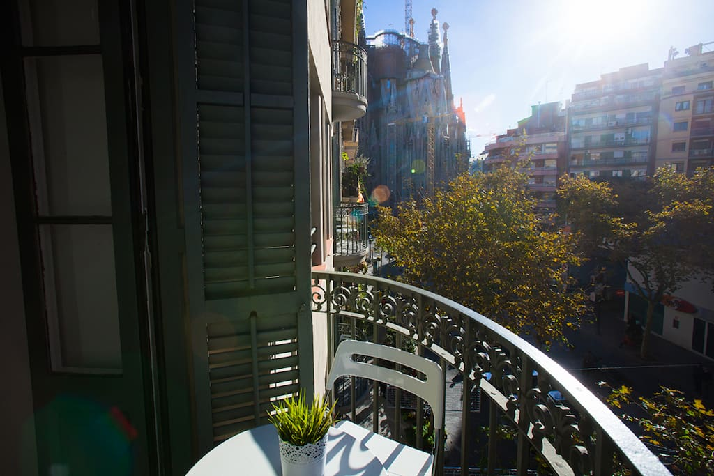 Sagrada Familia view balcony apartment Barcelona