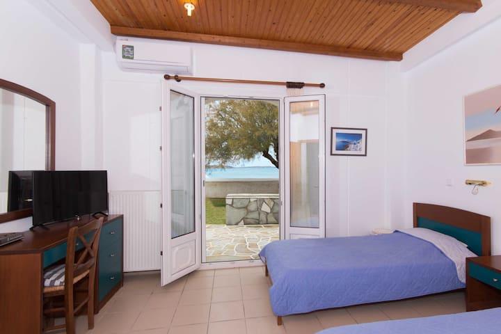 Master Bedroom Sea View