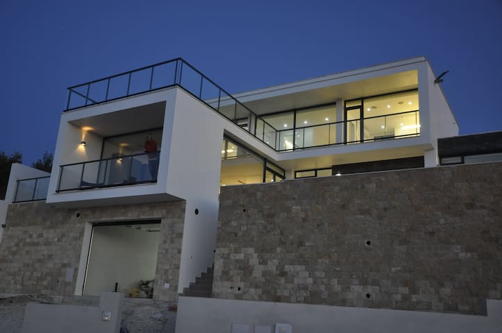 Luxe villa en spectaculair zeezicht - นาซาเร - วิลล่า