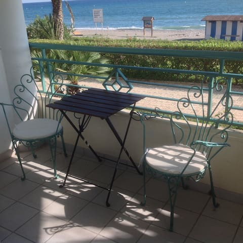 Directly on the Beach!+Pool&Parking - Torrox - Daire