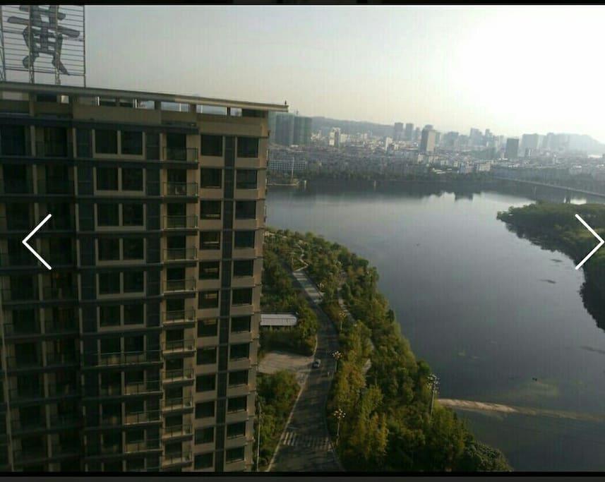 俯视佩琅河