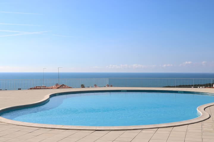 Private Condominium, Pool, Tennis & Sea View