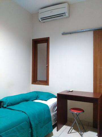 "Rege Juana ""Great Location, Best Price, Good Room"" - Menteng - 게스트하우스"