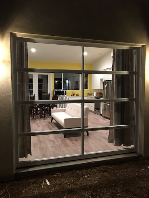 Glass roll-up door for the indoor/outdoor living experience!