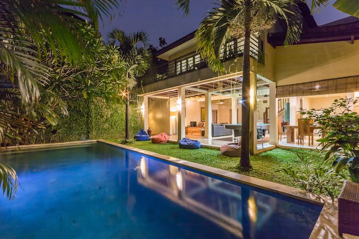 Private pool  3 bedrooms villa with Pool table