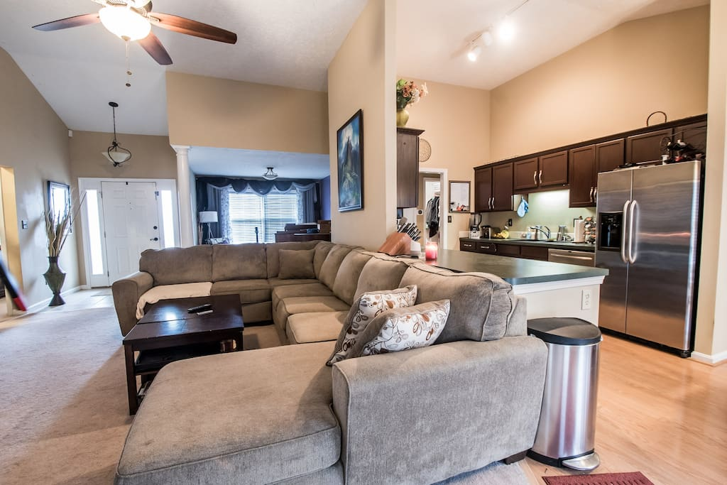 Open Concept Kitchen into Great Room - Roomy Couch seats 7-8, sleeps 3
