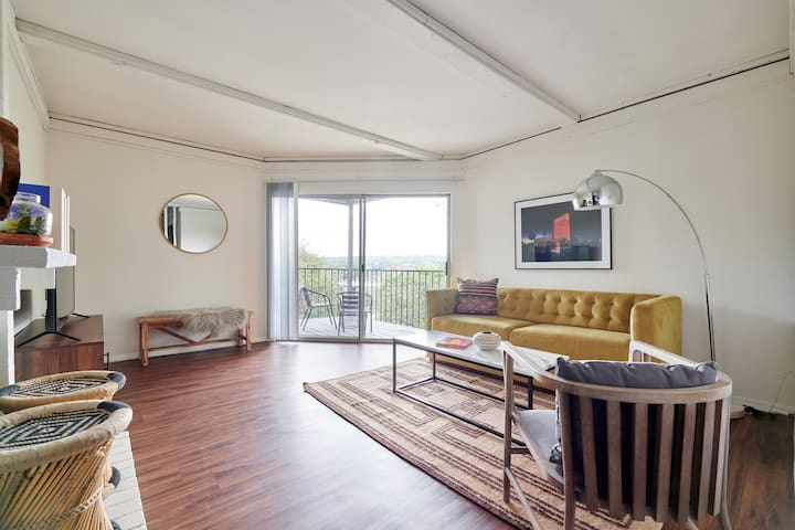 Sonder | Barton Creek | Gorgeous 1BR + Balcony
