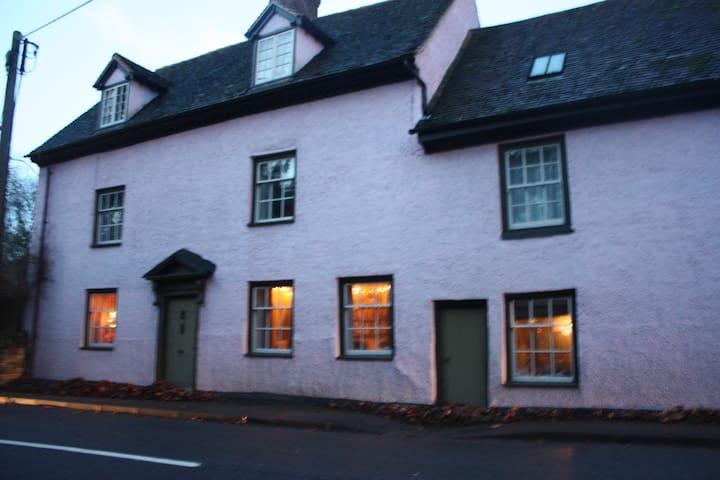 Bridge House, Bluebell Room