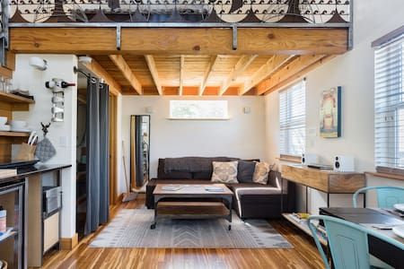 Handcrafted Blue Door Micro-Loft in Hip and Arty Location