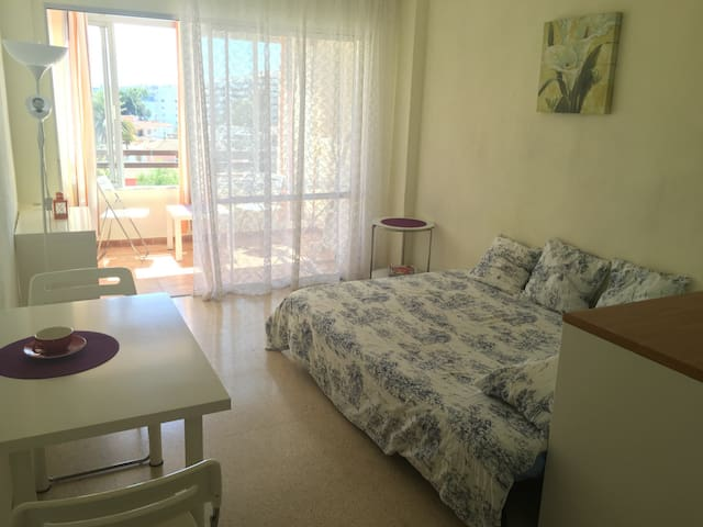 Bright studio close to the beach - Son Caliu - Apartment