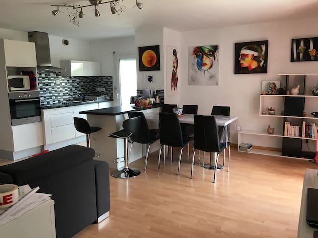 Bel appartement centre Bruz