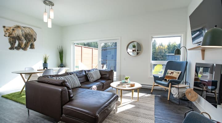 Off the Clock: Modern & Bright 2BR/2BA,  near RMR