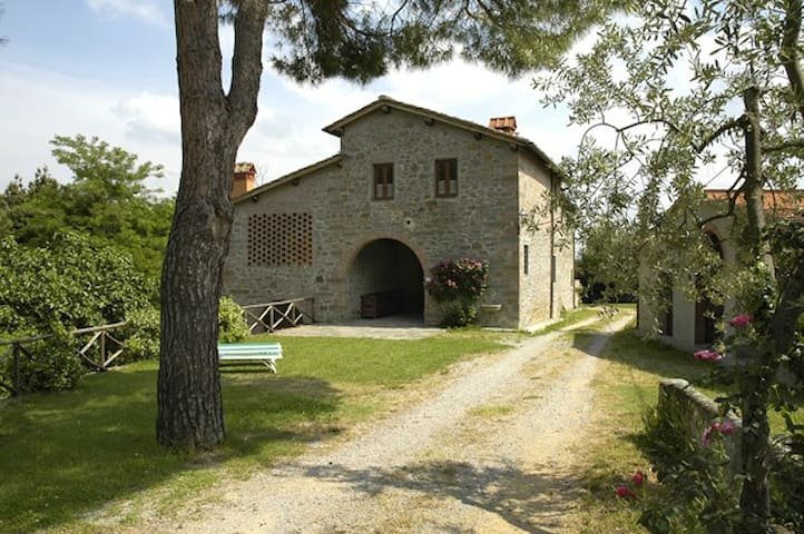PIETRA. Beautiful Farmhouse heart of Tuscany: - Figline Valdarno - Lägenhet