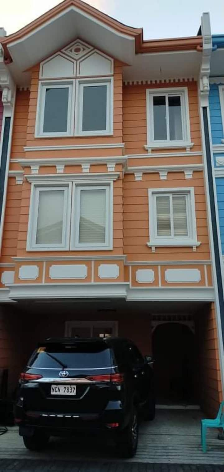Newly built 3story town house in  ponte Fino hotel