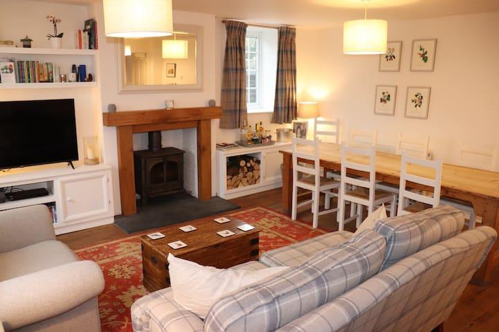 Terraced house in heart of Tisbury