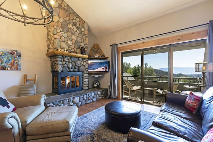 Incredible views and even better ski access! Newly remodeled ski condo