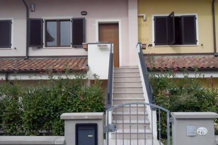 Casa vicinissima al lungomare di Marotta - San Costanzo - Talo